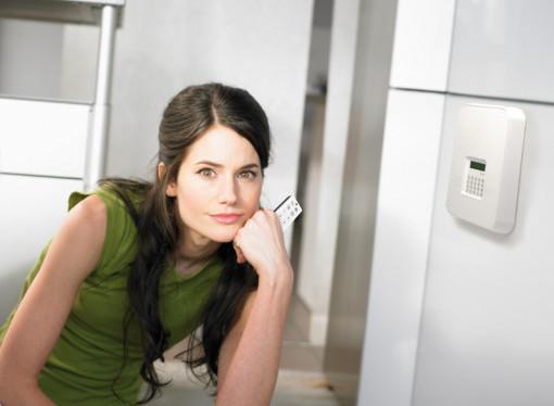 Sistema d'alarma amb connexió GSM sense despeses mensuals.